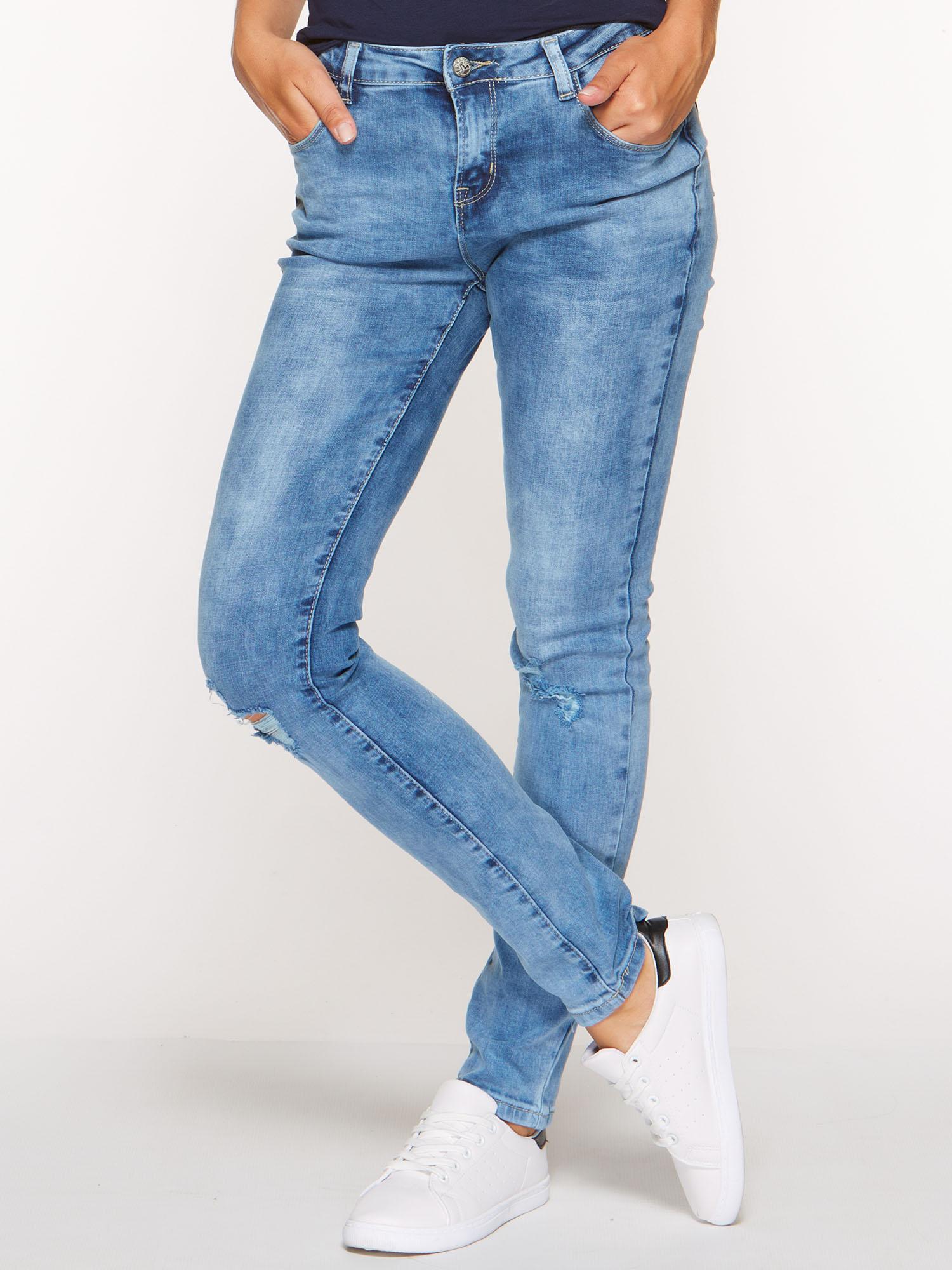 jeansy z dziurami wysoki stan