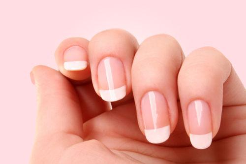 piękne kobiece paznokcie